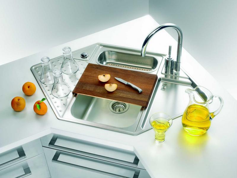 Как правильно установить раковину на кухне