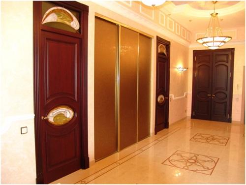цветовое исполнение межкомнатных дверей